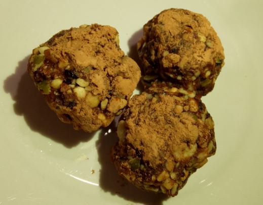 Crunchy nut and fruit balls healthy recipe