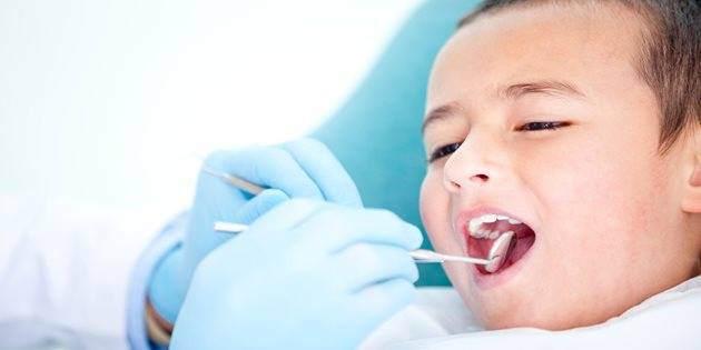 Child-visiting-dentist-Lilydale