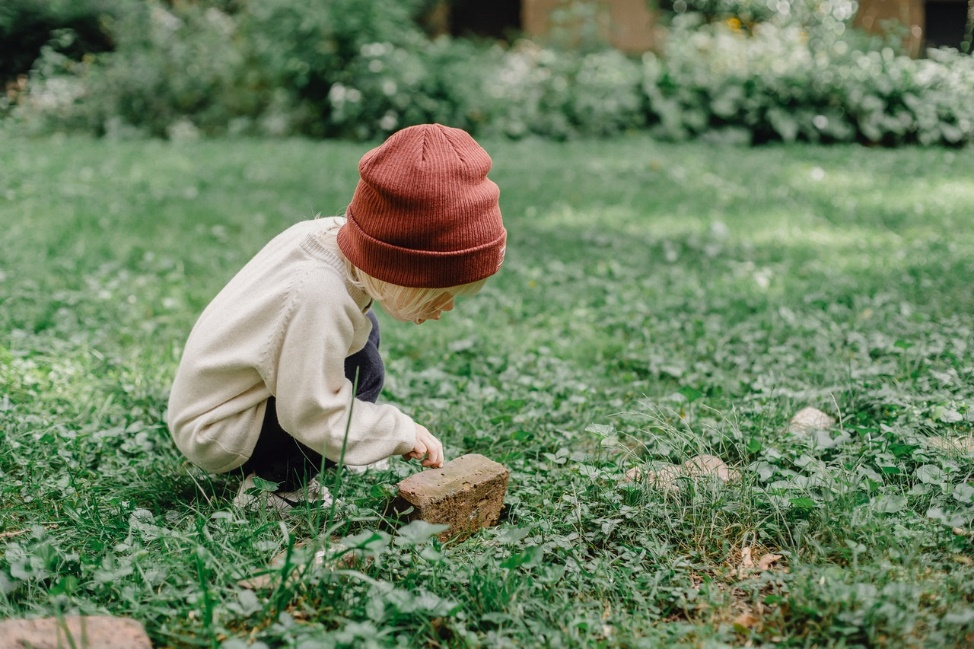 5 benefits of everyday nature play